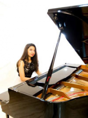 Consulter les détail du spectacle : UN PIANO ROMANTIQUE - THEATRE DU BLANC-MESNIL142505